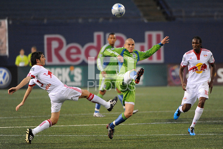 Osvaldo Alonso (6) of the Seattle Sounders plays the ball. The New York Red Bulls  and the Seattle Sounders played to a 1-1 tie during a Major League Soccer match at Giants Stadium in East Rutherford, NJ, on June 20, 2009.