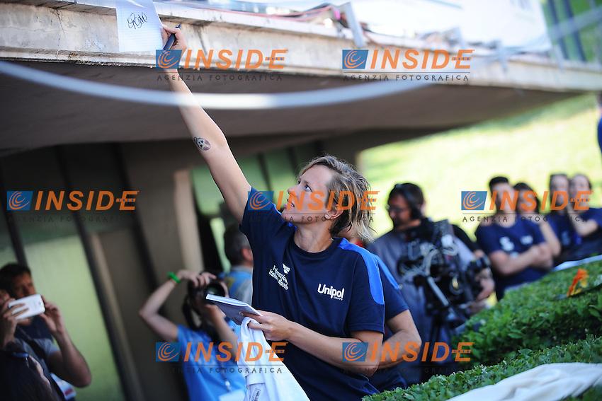 Federica Pellegrini firma autografi <br /> Roma 13/6/2013 Piscina del Foro Italico <br /> Nuoto 50mo trofeo Settecolli<br /> Settecolli 50th International swimming trophy <br /> Foto Andrea Staccioli Insidefoto