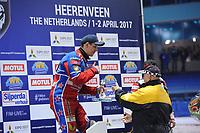 MOTORSPORT: HEERENVEEN: 31-03-2017, IJsstadion Thialf, IJsspeedway Roelof Thijs Bokaal, Roelof Thijs, winnaar Eduard Krysov (RUS), ©foto Martin de Jong