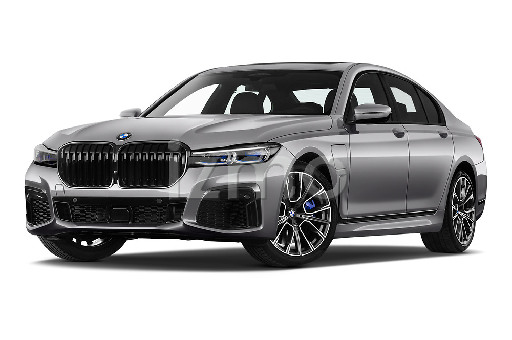 Stock pictures of low aggressive front three quarter view of a 2020 BMW 7-Series  M-Sport 4 Door Sedan