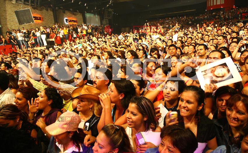 La diva de la banda Jenny Rivera durante un concierto en Leon Guanajuato, Mexico.<br /> (Tirador Segundo/NortePhoto)