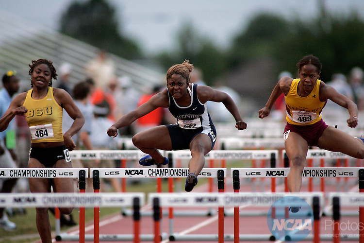 5/28/2005:     Lynnae Samuels (483) of Cal State - Dominguez Hills (far right) wins 2nd place in the women's 100 meter hurdles race in a time of 14.03 at the 2005 NCAA Division II Outdoor Track and Field Championships at Elmer Gray Stadium in Abilene, Texas. Lynnsey Dailey of Fort Valley State won the event in a time of 13.92. Tommy Metthe/NCAA Photos