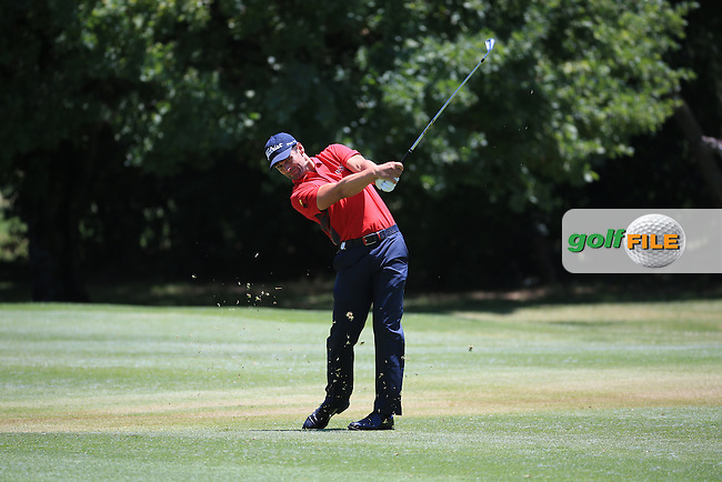 Lee Slattery (ENG) in action during Round Two of the 2016 BMW SA Open hosted by City of Ekurhuleni, played at the Glendower Golf Club, Gauteng, Johannesburg, South Africa.  08/01/2016. Picture: Golffile | David Lloyd<br /> <br /> All photos usage must carry mandatory copyright credit (&copy; Golffile | David Lloyd)