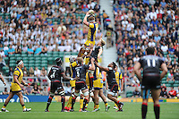 GJ van Velze of Worcester Warriors wins a lineout against Jackson Wray of Saracens during the Aviva Premiership Rugby match between Saracens and Worcester Warriors at Twickenham Stadium on Saturday 03 September 2016 (Photo by Rob Munro/Stewart Communications)