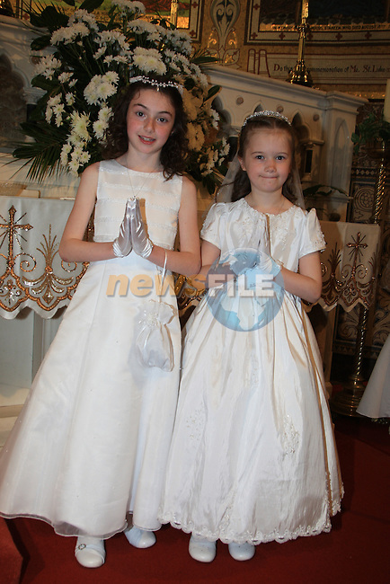 Scolie Mhuire na Fatima First Communion.Rebecca Murphy and Sarah Rapple.Picture: Fran Caffrey / www.newsfile.ie.