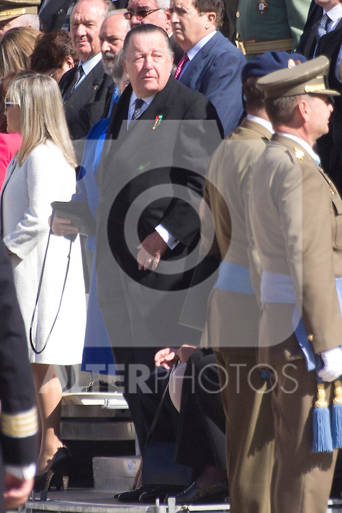 01.10.2012. The Spanish Royal Family, King Juan Carlos, Queen Sofia, Prince Felipe, Princess Letizia and Princess Elena attend the imposition of collective Distinguished Cross San Fernando Al Banner Armored Cavalry Regiment ´Alcántara´ No. 10 in the Royal Palace in Madrid, Spain. In the image Carlos de Borbon Dos Sicilias (Alterphotos/Marta Gonzalez)