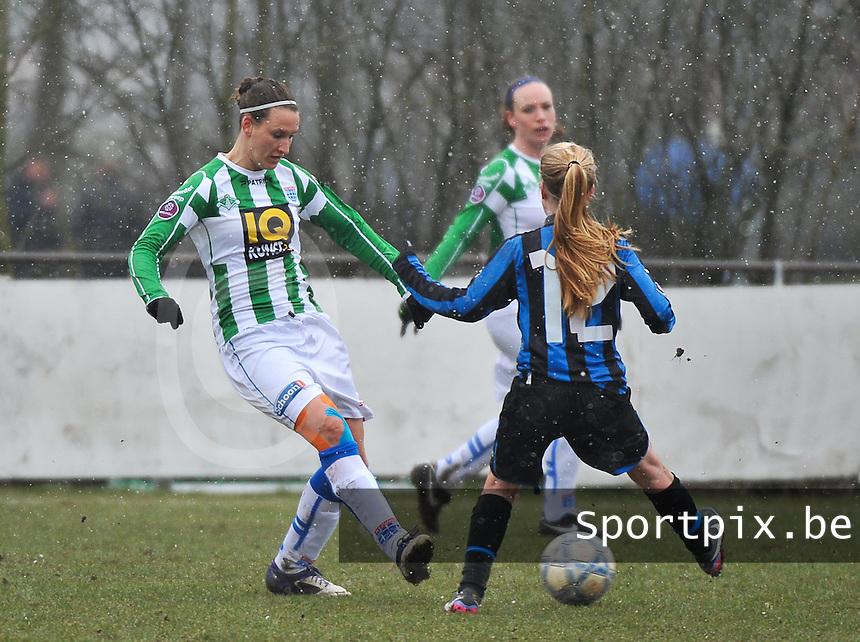 Club Brugge Dames - PEC Zwolle : Lisanne Vermeulen (links).foto DAVID CATRY / Vrouwenteam.be