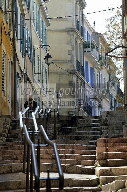 Europe/France/Provence-Alpes-Côte d'Azur/13/Bouches-du-Rhône/Marseille/Quartier du Panier : Façades dans la rue des Moulins