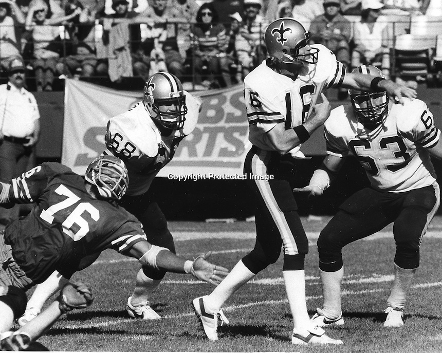 New Orleans Saints quarterback Ken Stabler against the 49ers. (Sept 16,1984 photo by Ron Riesterer)