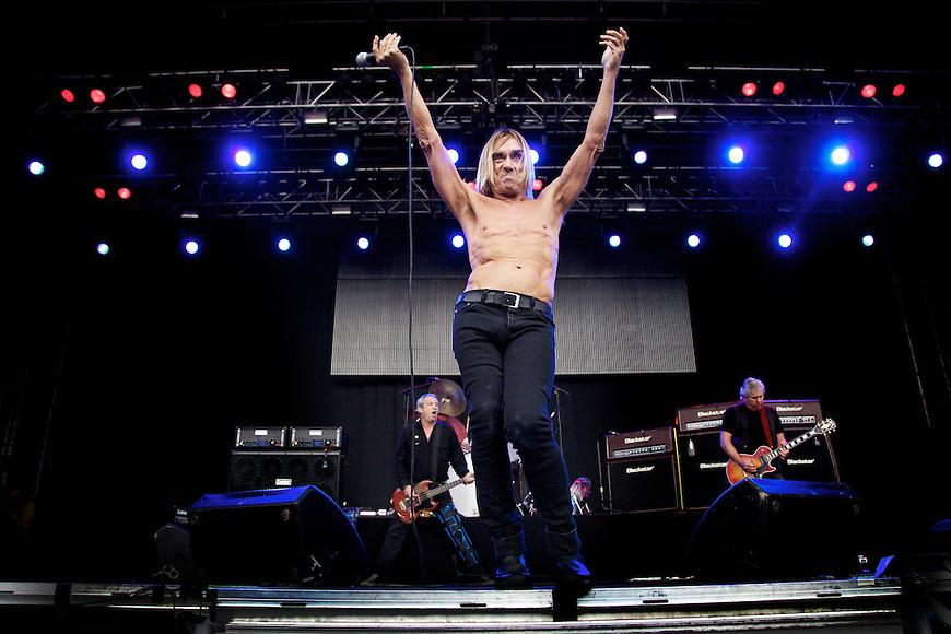 Oslo, 20100811. Øyafestivalen. Iggy & The Stooges. Iggy Pop. Foto: Eirik Helland Urke