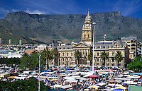 South Africa, Cape Town, City Hall and market stands at the Grand Parade