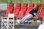 li:Heiko HERRLICH  (Trainer FC Augsburg) sitzt vor <br />Spielbeginn auf der Bank,<br />skeptisch,ernst.<br /><br />Fussball 1. Bundesliga, 33.Spieltag, Fortuna Duesseldorf (D) -  FC Augsburg (A), am 20.06.2020 in Duesseldorf/ Deutschland. <br /><br />Foto: AnkeWaelischmiller/Sven Simon/ Pool/ via Meuter/Nordphoto<br /><br /># Editorial use only #<br /># DFL regulations prohibit any use of photographs as image sequences and/or quasi-video #<br /># National and international news- agencies out #