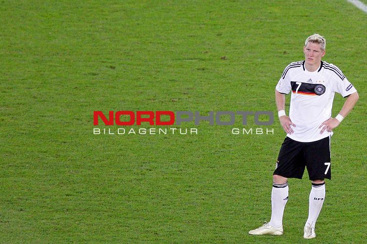 UEFA Euro 2008  Finale - Spanien Europameister 2008<br /> <br /> Vienna - Ernst Happel Match 32<br /> Deutschland ( GER ) - Spanien ( ESP ) 0:1<br /> <br /> Ratlosigkeit bei Bastian Schweinsteiger ( Germany / Mittelfeldspieler / Midfielder /  Bayern Muenchen #7)<br /> <br /> Foto &copy; nph (  nordphoto  )<br /> <br /> <br /> <br />  *** Local Caption ***