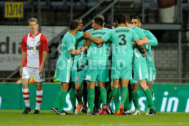 EMMEN - Voetbal, FC Emmen - FC Dordrecht, Jens Vesting, seizoen 2013-2014, 07-02-2014,   Dordrecht viert de 0-1