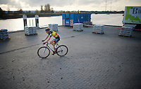 Sven Nys (BEL/Crelan-AAdrinks) in the industrial site on the course<br /> <br /> Jaarmarktcross Niel 2014