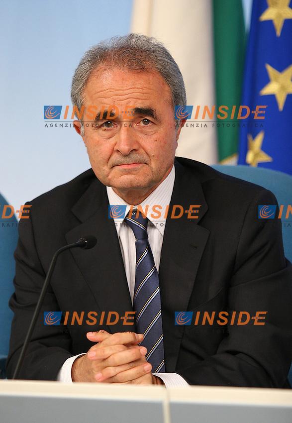 Roma, 28/8/2006 Consiglio dei Ministri. Nella foto il Ministro della Difesa Arturo Parisi.<br /> Photo Samantha Zucchi INSIDE