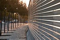 Au Luxembourg, sur le plateau du Kirchberg. L'avenue Georges Fitzegarld Kennedy
