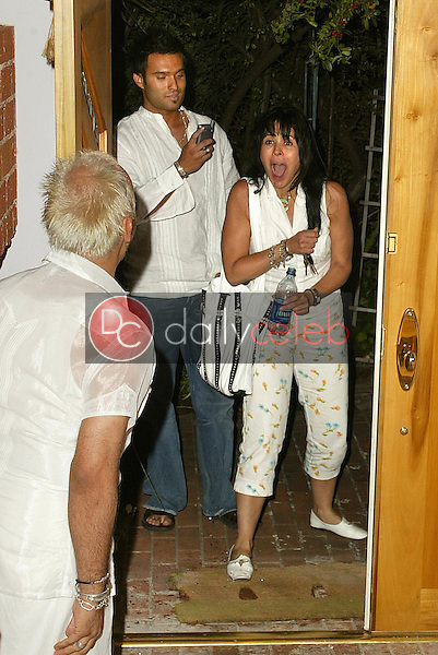Maria Conchita Alonso is surprised when she arrives home<br />