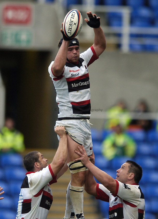 Photo: Jonathan Butler..London Irish v Saracens. EDF Anglo-Welsh Cup. 30/09/2006..Tom Ryder of Saracens catches in the lineout.