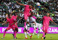 PALMIRA - COLOMBIA, 29-07-2017: Cesar Amaya (Der) del Deportivo Cali salta por el balón con Harrison Mancilla (Izq) de Tigres FC durante partido por la fecha 5 de la Liga Águila II 2017 jugado en el estadio Palmaseca de Cali. / Cesar Amaya (R) player of Deportivo Cali fights for the ball with Harrison Mancilla (L) player of Tigres FC during match for the date 5 of the Aguila League II 2017 played at Palmaseca stadium in Cali.  Photo: VizzorImage/ Nelson Rios /Cont