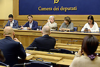 Roma, 5 Agosto 2015<br />  Francesco D'Uva, Claudio Fava, Rosy Bindi, Rosaria Capacchione e Enza Bruno Bossio.<br /> Camera dei Deputati.<br /> La commissione antimafia presenta alla stampa la relazione sui giornalisti minacciati