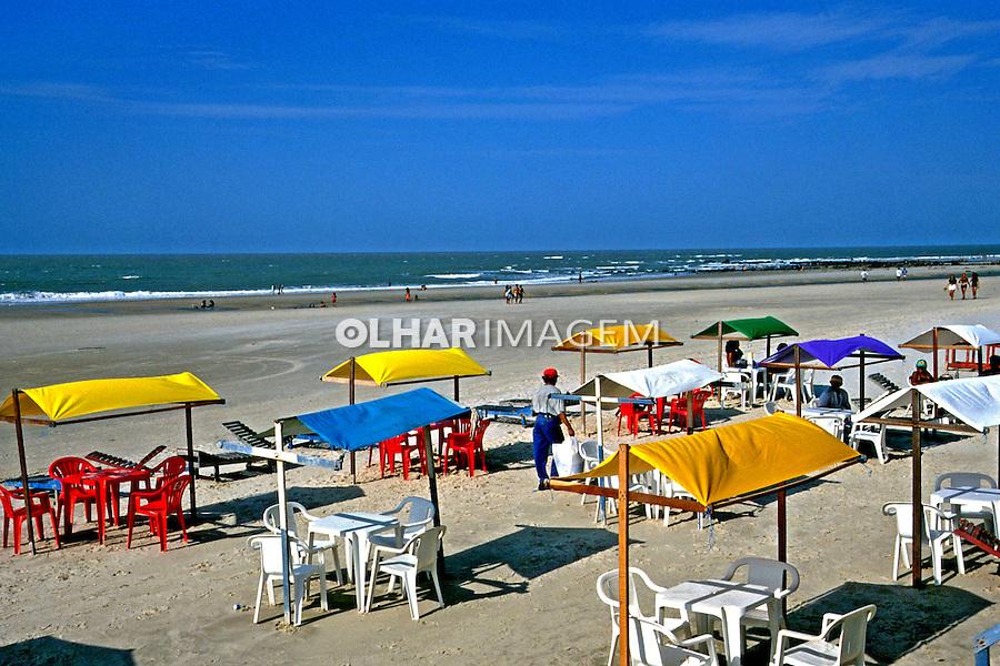 Praia do Calhau em São Luis, Maranhão. 1999. Foto de Juca Martins.