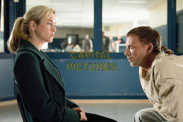 RENEE ZELLWEGER & CALLUM KEITH RENNIE.in Case 39 .*Filmstill - Editorial Use Only*.CAP/FB.Supplied by Capital Pictures.
