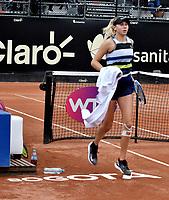 BOGOTÁ-COLOMBIA, 13-04-2019: Amanda Anisimova (USA), durante partido por la semifinal del Claro Colsanitas WTA, que se realiza en el Carmel Club en la ciudad de Bogotá. / Amanda Anisimova (USA),  during a match for the semifinal of the WTA Claro Colsanitas, which takes place at Carmel Club in Bogota city. / Photo: VizzorImage / Luis Ramírez / Staff.