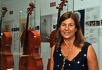 Cremona, Museo del violino e dell&rsquo;arte antica della liuteria.Virginia Villa direttore generale del museo<br /> Cremona, Museum of the violin and the ancient art of violin making.Virginia Villa manager of the museum