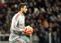 Calcio, Serie A: Juventus vs Milan. Torino, Juventus Stadium, 21 novembre 2015. <br /> AC Milan&rsquo;s goalkeeper Gianluigi Donnarumma holds the ball during the Italian Serie A football match between Juventus and AC Milan at Turin's Juventus stadium, 21 November 2015. Juventus won 1-0.<br /> UPDATE IMAGES PRESS/Isabella Bonotto