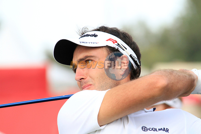 Edoardo Molinari tees off on the 1st tee to start his back 9 during Thusday Day 1 of the Abu Dhabi HSBC Golf Championship, 20th January 2011..(Picture Eoin Clarke/www.golffile.ie)