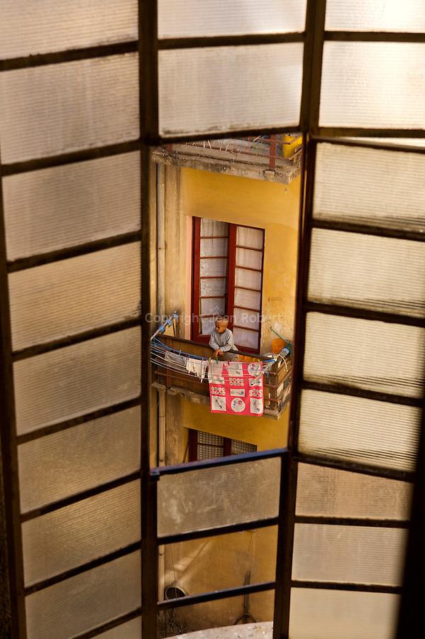 Le palais Falleta,  le plus grand immeuble commercial et résidentiel construit en 1937 1938 par Guiseppe Cano, Carla Marchi et Aldo Burzagli...Pallazo Falleta, built in 1937-1938 by Guiseppe Cano, Carla Marchi and Aldo Burzagli.One of the margest commercial and residential building.