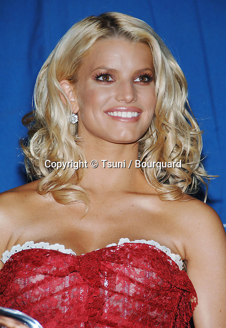 Jessica Simpson backstage at the 32nd People Choice Awards at the Shrine Auditorium in Los Angeles. January 10, 2006.