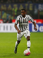 Calcio, Serie A: Inter vs Juventus. Milano, stadio San Siro, 18 ottobre 2015. <br /> Juventus&rsquo; Patrice Evra in action during the Italian Serie A football match between FC Inter and Juventus, at Milan's San Siro stadium, 18 October 2015.<br /> UPDATE IMAGES PRESS/Isabella Bonotto