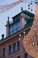 Europe/Autriche/Niederösterreich/Vienne: Détail maison du Graben et décoration de Noël
