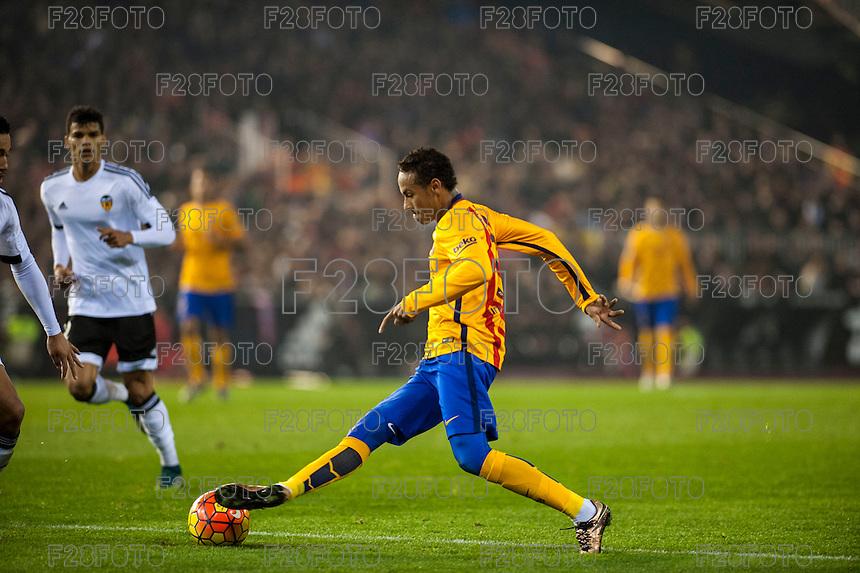 VALENCIA, SPAIN - DECEMBER 5: Neymar during BBVA LEAGUE match between Valencia C.F. and FC Barcelona at Mestalla Stadium on December 5, 2015 in Valencia, Spain