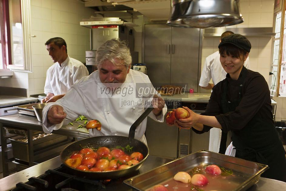 Europe/France/Provence-Alpes-Côte d'Azur/06/La Turbie:  Bruno Cirino en cuisine - Hostellerie Jérôme [Non destiné à un usage publicitaire - Not intended for an advertising use]