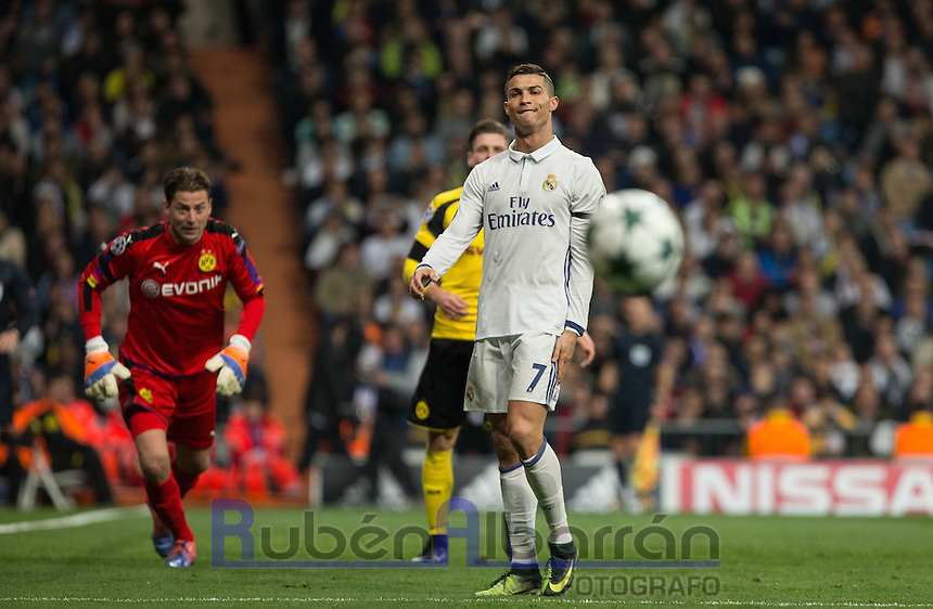 Real Madrid´s Portuguese forward Cristiano Ronaldo lamenting during the UEFA Champions League match between Real Madrid and Borussia Dortmund at the Santiago Bernabeu Stadium in Madrid, Tuesday, December 7, 2016.