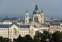 Blick von Buda auf Pester Donauufer mit Palais Gresham und St.Stephan, Budapest, Ungarn, UNESCO-Weltkulturerbe