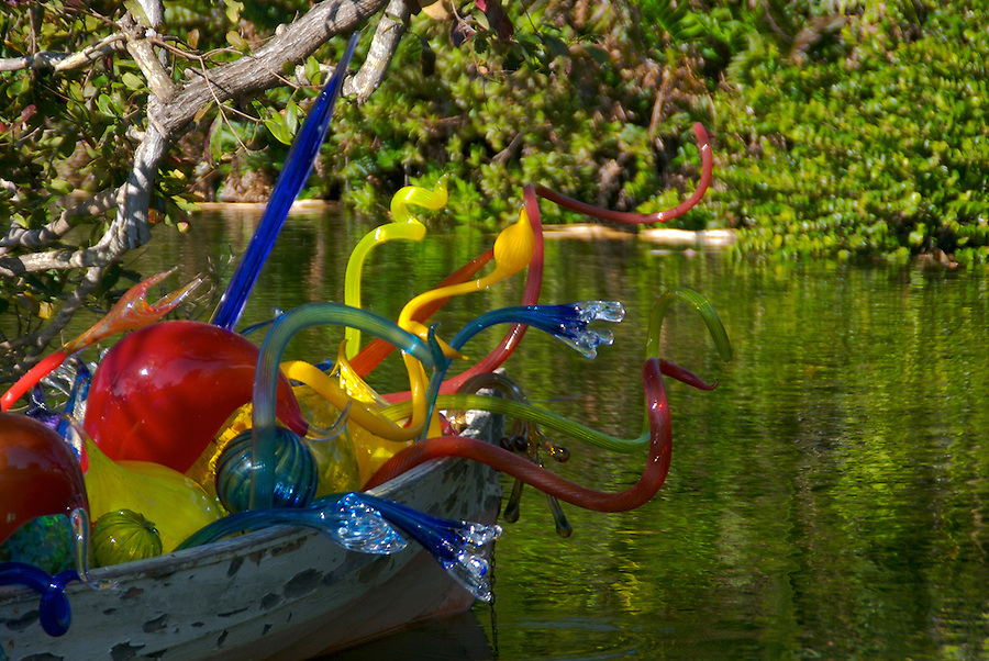 """Dale Chihuly 2007 Exhibition in Fairchild Tropical Gardens In Miami, Chihuly call this """"Carnival Boat"""", Dale Chihuly is recognized artist for his work with glass."""