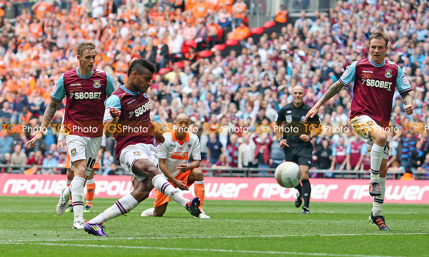 Ricardo Vaz Te scores the 2nd and winning goal for West Ham - Blackpool vs West Ham United , npower Championship Play-off Final at Wembley Stadium, London - 19/05/12 - MANDATORY CREDIT: Rob Newell/TGSPHOTO - Self billing applies where appropriate - 0845 094 6026 - contact@tgsphoto.co.uk - NO UNPAID USE..