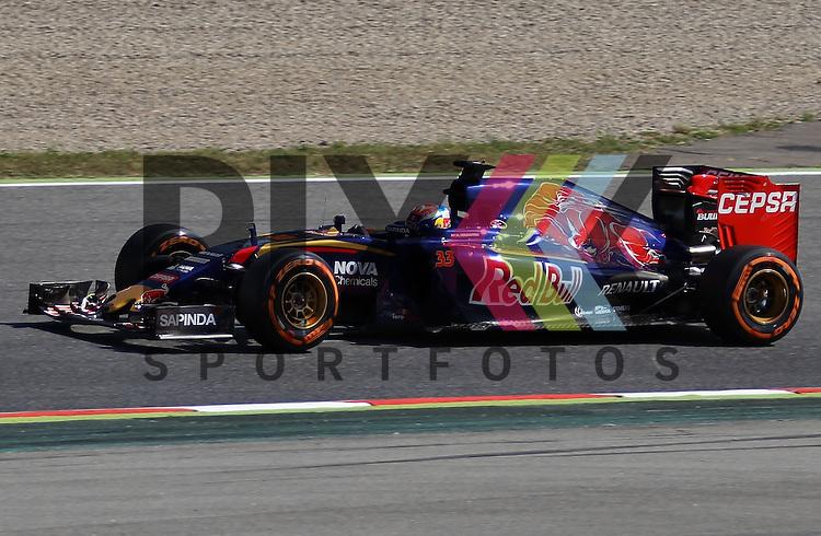 Barcelona, 10.05.15, Motorsport, Formel 1 GP Spanien 2015, Freies Training : Max Verstappen (Toro Rosso STR10, #33)<br /> <br /> Foto &copy; P-I-X.org *** Foto ist honorarpflichtig! *** Auf Anfrage in hoeherer Qualitaet/Aufloesung. Belegexemplar erbeten. Veroeffentlichung ausschliesslich fuer journalistisch-publizistische Zwecke. For editorial use only.