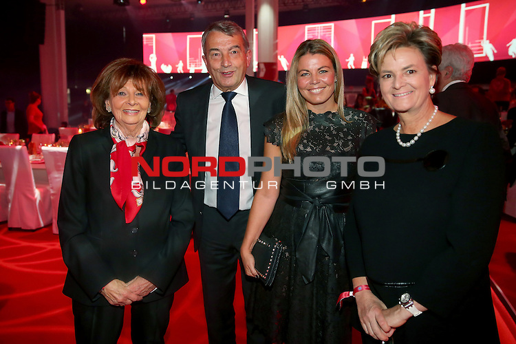 23.05.2015, Postpalast, Muenchen, FC Bayern Muenchen - German Championship Celebrations, im Bild   Wofgang Niersbach, President of German Football Association DFB talks to Prominent German Jewish leader Charlotte Knobloch (L), Marion Popp and during the FC Bayern Muenchen Bundesliga Champions Dinner at Postpalast Foto © nordphoto