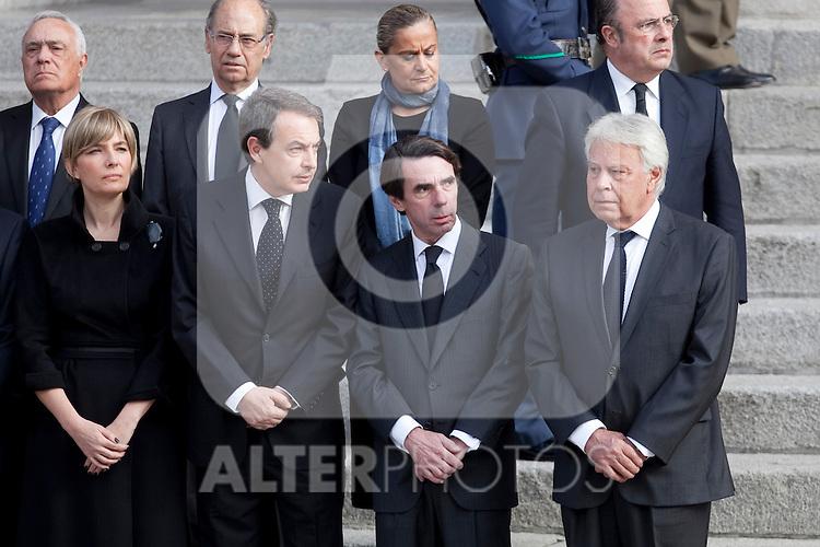 Former presidents Jose Luis Rodriguez Zapatero (L), Jose Maria Aznar (C) and Felipe Gonzalez attend former President Adolfo Suarez funeral chapel in Madrid, Spain. March 24, 2014. (ALTERPHOTOS/Victor Blanco)