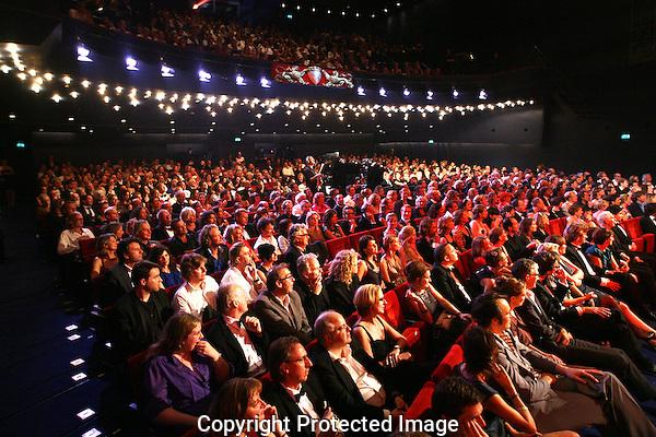 20111030 - Utrecht - FOTO: RAMON MANGOLD - Uitreiking van de Gouden Kalveren in de Stadsschouwburg.