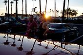 SCOTTSDALE, ARIZONA, USA, 10/2016<br /> A couple looking at a vintage car on display during the weekly car show by the shopping mall. Owners of various cars come here to show off .<br /> (Photo by Piotr Malecki / Napo Images)<br /> <br /> SCOTTSDALE, ARIZONA, USA, 10/2016<br /> Mezczyzna i kobieta  przy starym samochodzie podczas cotygodniowego pokazu aut na parkingu przy centrum handlowym. Wlasciciele przeroznych samochodow przyjezdzaja tutaj by sie nimi pochwalic.<br /> Fot: Piotr Malecki / Napo Images<br /> <br /> <br />  ###ZDJECIE MOZE BYC UZYTE W KONTEKSCIE NIEOBRAZAJACYM OSOB PRZEDSTAWIONYCH NA FOTOGRAFII###