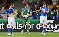 01.07.2012 KIJOW KIEV.PILKA NOZNA KADRA REPREZENTACJA.MISTRZOSTWA EUROPY W PILCE NOZNEJ EURO2012 POLSKA I UKRAINA.FOOTBALL EUROPEAN CHAMPIONSHIPS UEFA EURO 2012 POLAND AND UKRAINE.FINAL (FINAL GAME).HISZPANIA - WLOCHY (SPAIN VS. ITALY).N/Z SMUTEK PORAZKA GIANLUIGI BUFFON.FOT LUKASZ LASKOWSKI / PRESSFOCUS NEWSPIXPL