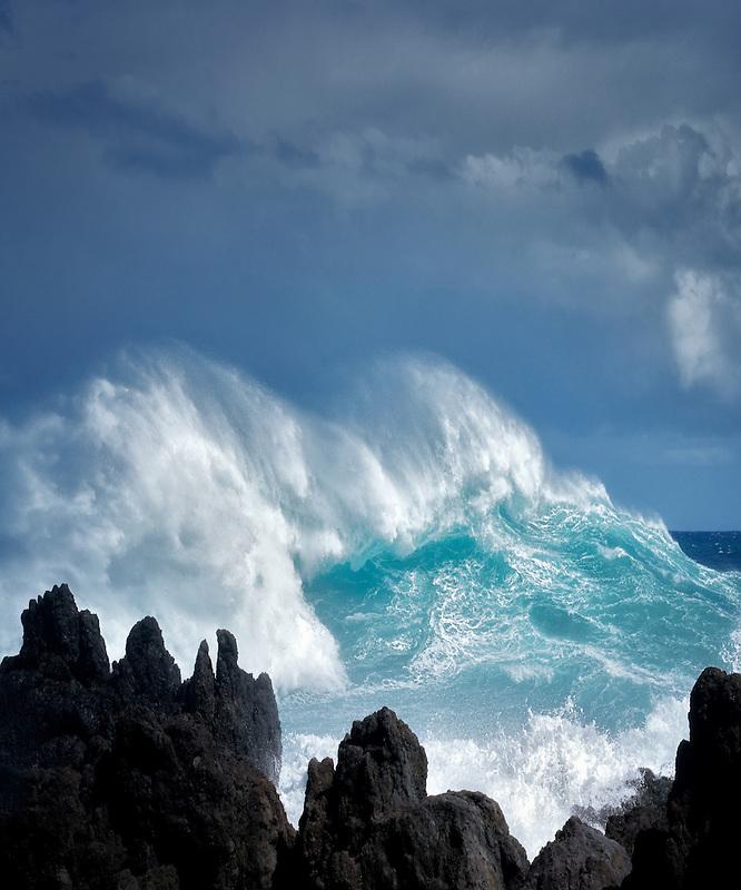 Crashing waves at Laupahoehoe Point. Hawaii, Island. The Big Island.