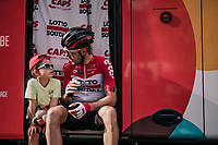 Maxime Monfort (BEL/Lotto-Soudal) &amp; son at the teambus pre-race<br /> <br /> 104th Li&egrave;ge - Bastogne - Li&egrave;ge 2018 (1.UWT)<br /> 1 Day Race: Li&egrave;ge - Ans (258km)