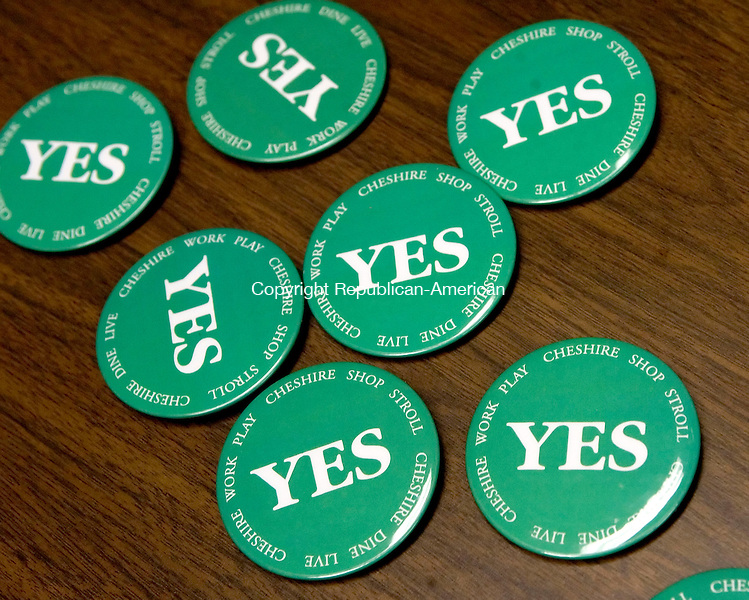CHESHIRE, CT--09 APRIL 2007--040907JS02-Buttons supporting the mall being proposed by W/S Development Assoicates, LLC were on the table as more than 100 Cheshire residents filled City Hall on Monday for the Planning and Zoning Commission meeting on the issue.<br /> Jim Shannon / Republican-American